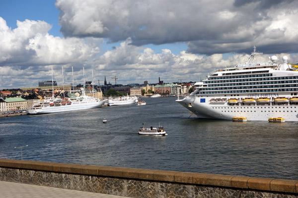 2013-09-10-8Stockholmport.jpg