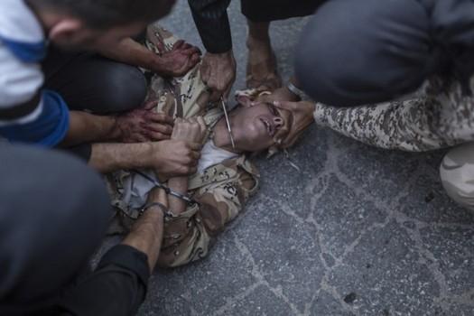 2013-09-13-SyrianExecutionknifeTIME600x4001.jpg