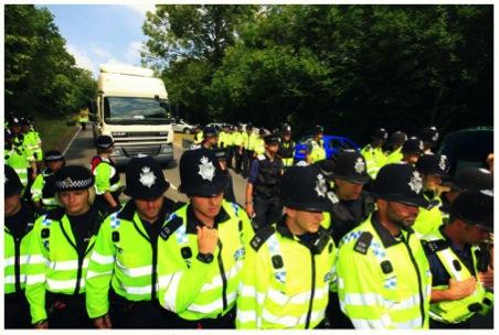 2013-09-16-Policeescortingejrere.jpg