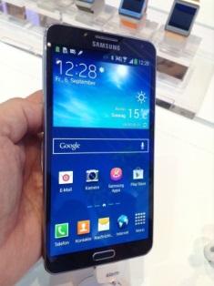 2013-09-17-SamsungNote3.JPG