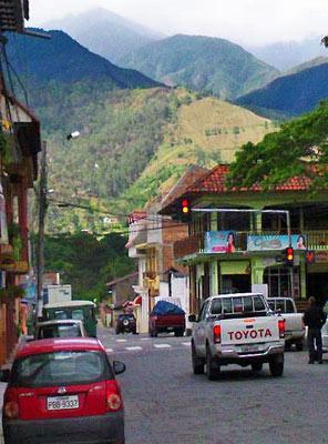 2013-09-19-TrafficlightsVilcabambaJohnCurranEcuador.jpg