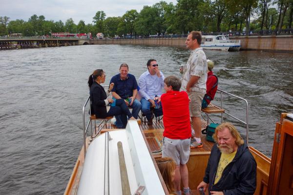 2013-09-20-54expatsonboat.jpg