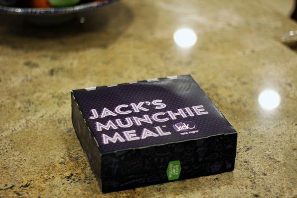 2013-09-24-jacksmunchiemealbox1.jpg