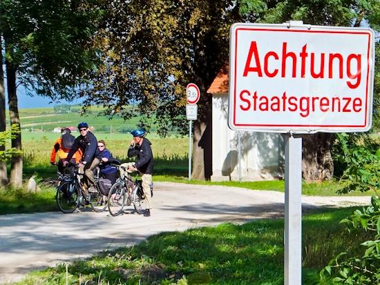 2013-09-25-AustrianBorder.jpg