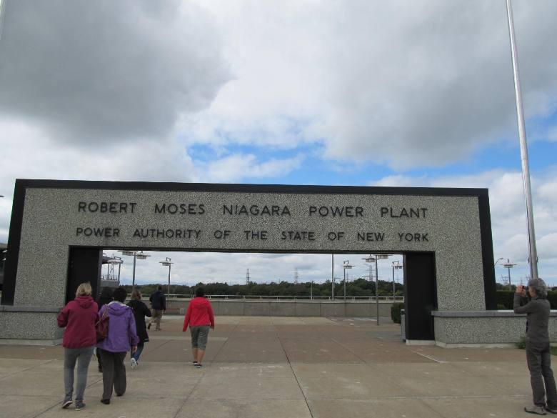 2013-09-25-RobertMoseshydroelectricplantatNiagaraFalls.jpg