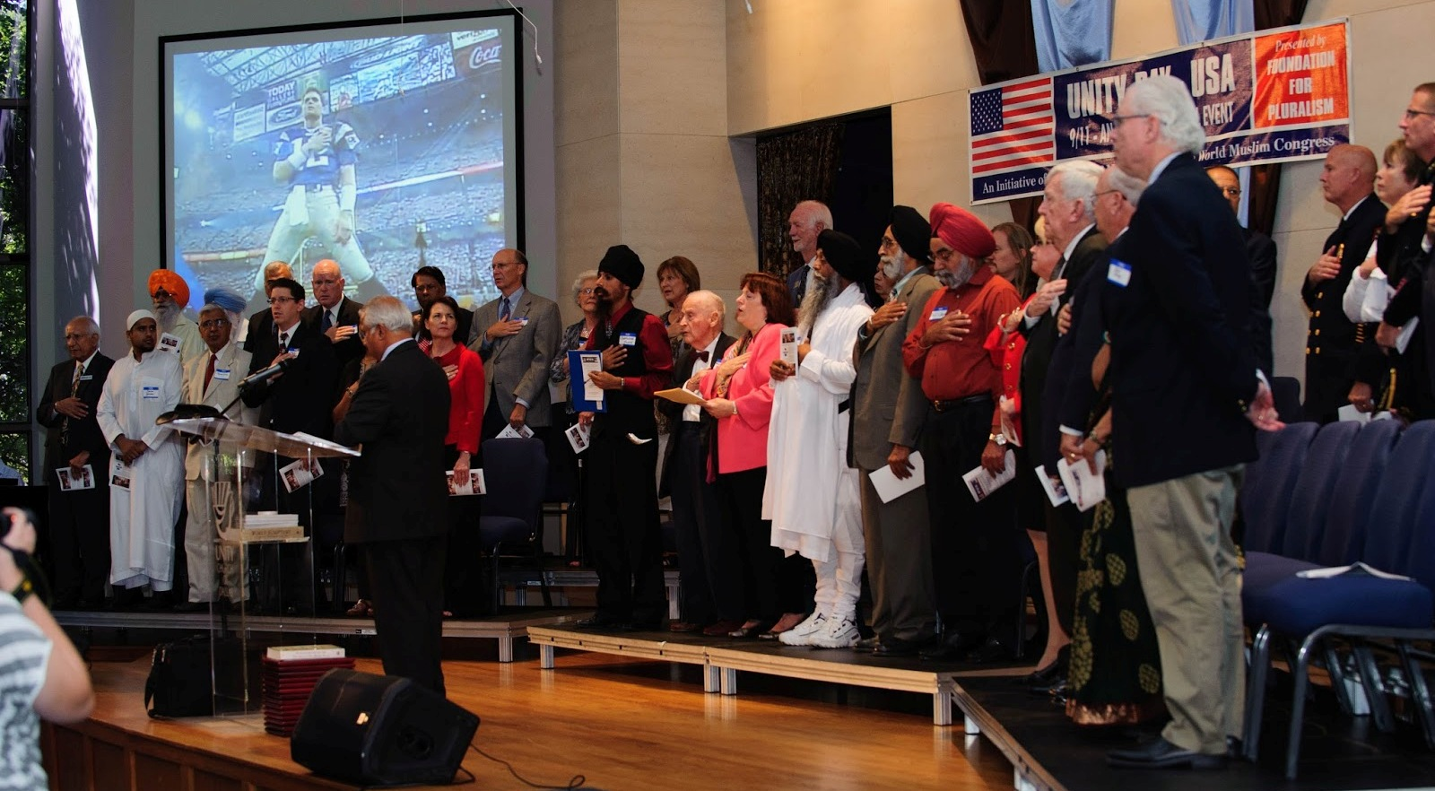 2013-09-26-NationalAnthem_UnitydayUSA.jpg
