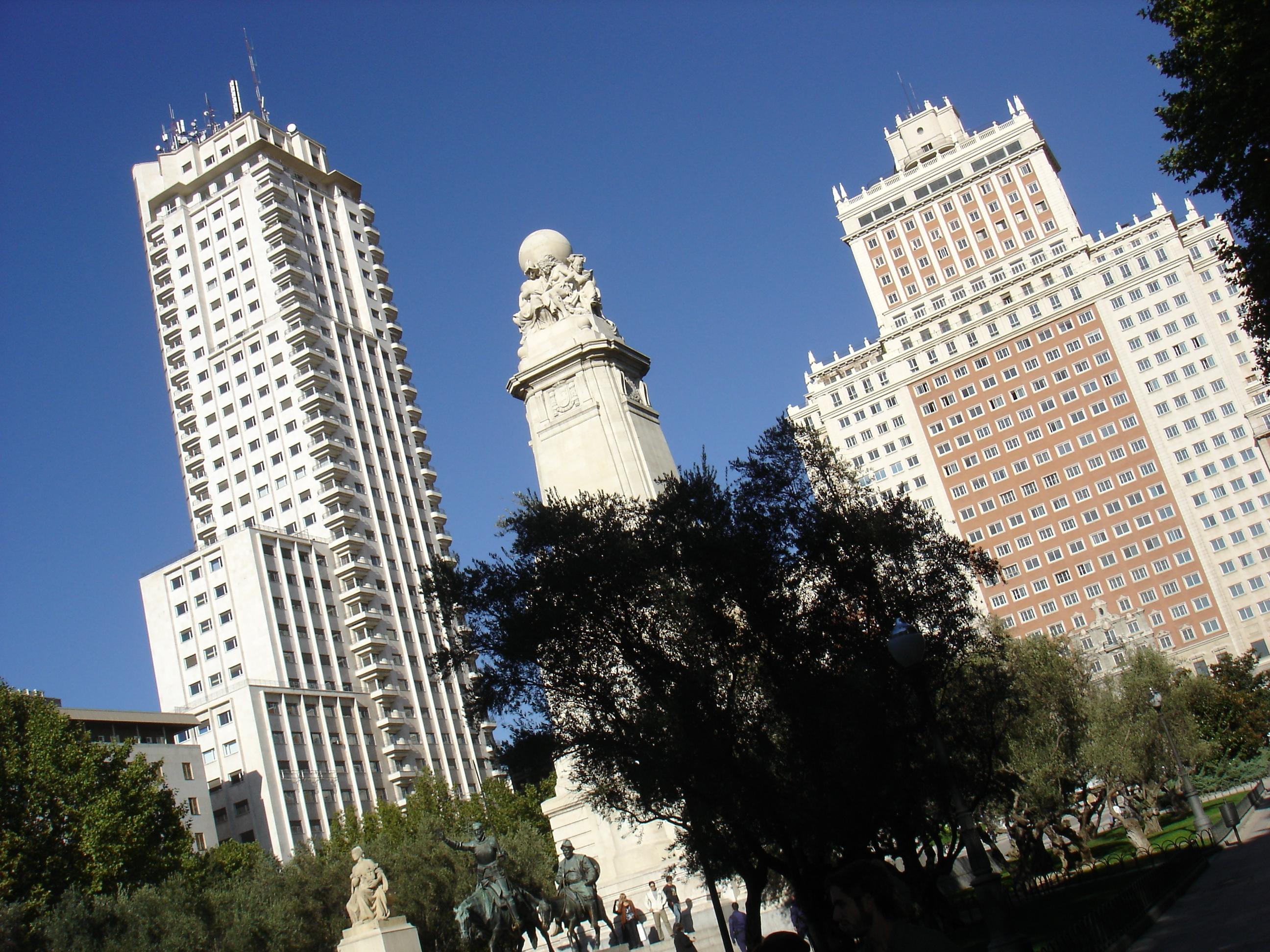2013-09-30-Madridvs.LisbonTallbuildings.JPG