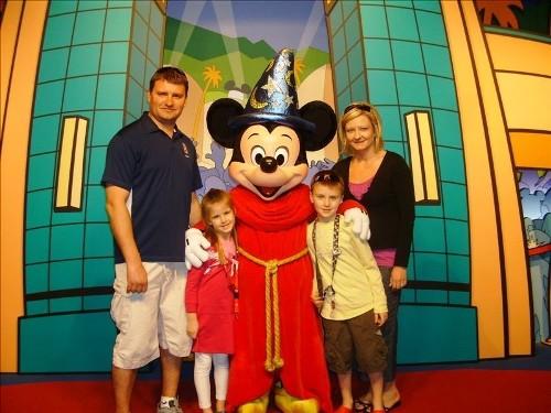 2013-09-30-mickeywithfamily.jpg