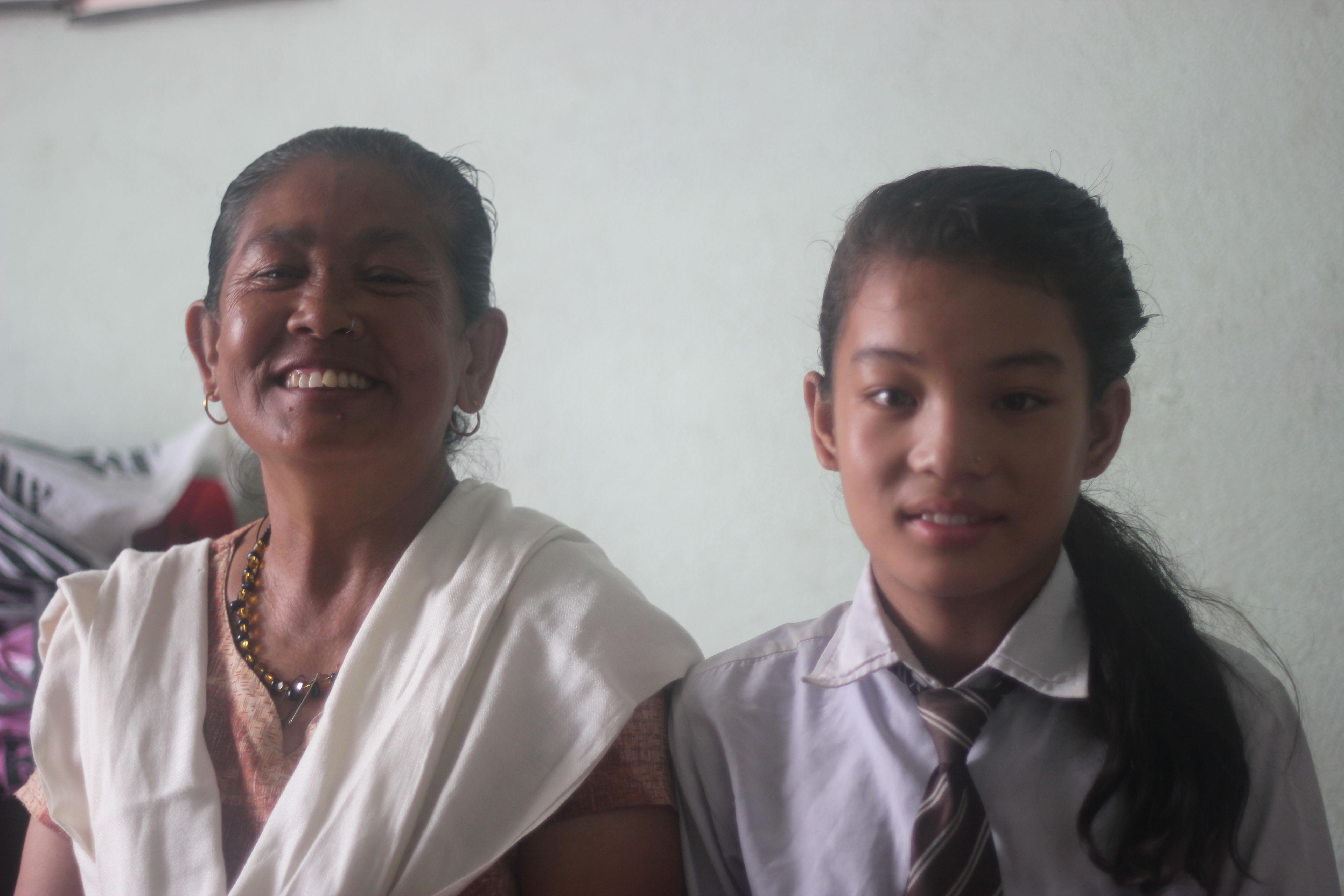 2013-10-02-Kanchi_Tamang_and_her_grand_daughter__Pushpa1.jpg