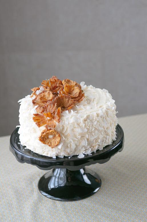 2013-10-04-cake_pineapple_coconut_main_2.jpg