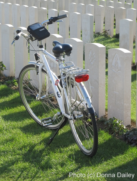 2013-10-05-BicycleatTyneCotCemeteryPassendaleFlandersBelgiumsmall.jpg