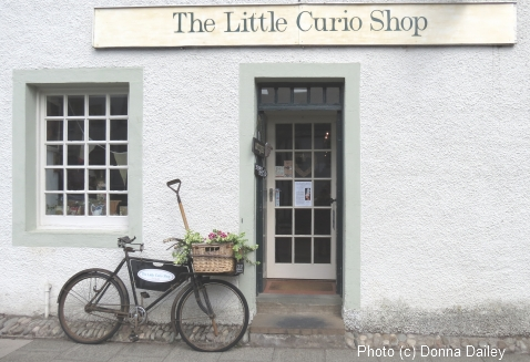 2013-10-08-Dunkeld_Little_Curio_Shop.jpg