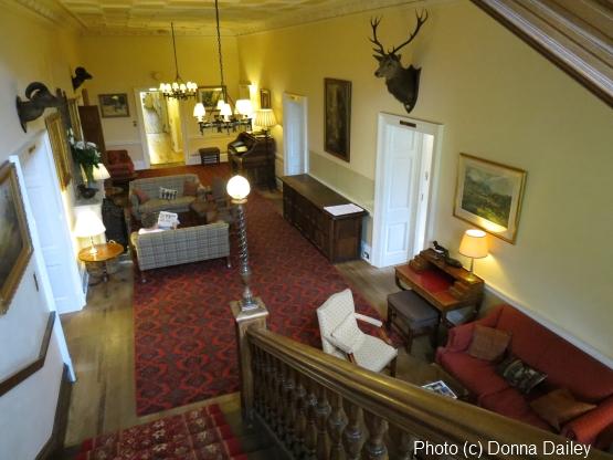 2013-10-09-Ballathie_House_Hotel_Guest_Lounge.jpg