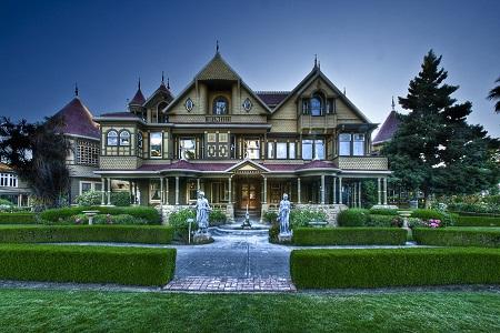 2013-10-09-WinchesterMysteryHouse.jpg