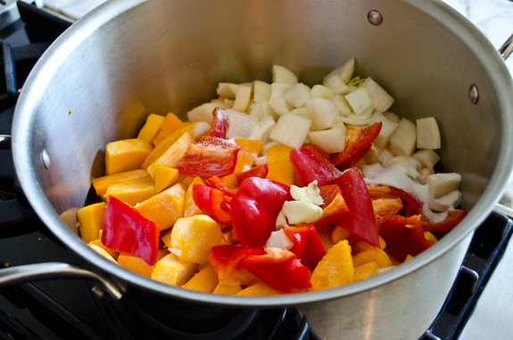 2013-10-10-vegetablesinthepot.jpg