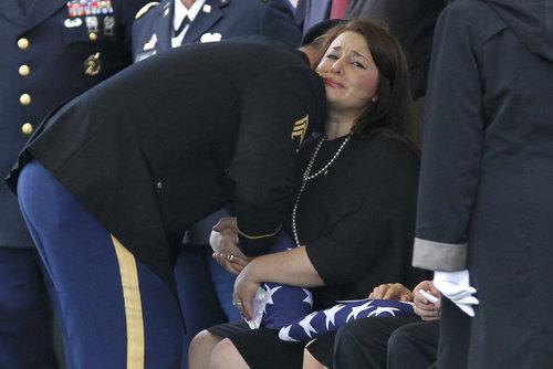 2013-10-11-slideshow_1002276062_APTOPIX_Arlington_Funeral_A.JPG