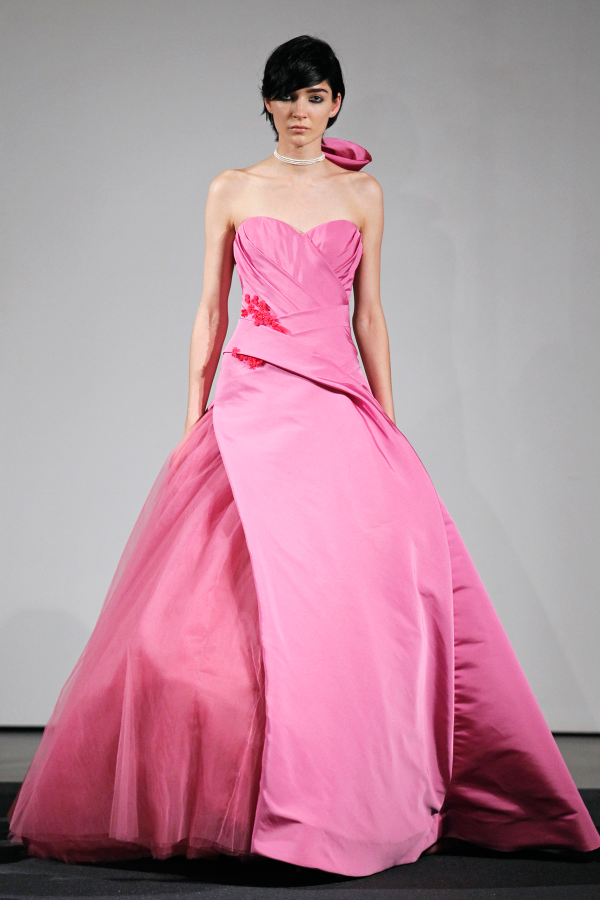 Vera wang 39 s fall 2014 bridal collection features all pink for Vera wang rose wedding dress