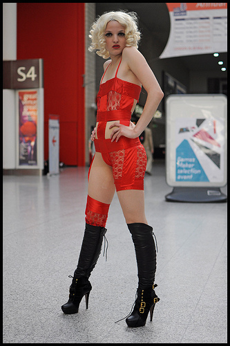 2013-10-14-LadyGaga.jpg