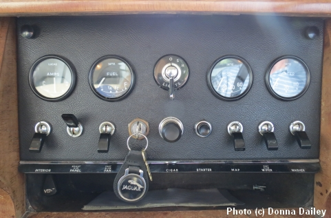 2013-10-15-Jaguar_dashboard.jpg