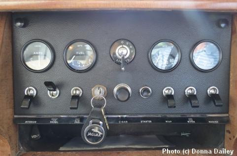 2013-10-15-Jaguar_dashboard.jpg