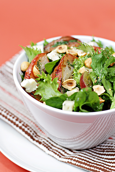 Autumn Harvest Salad: Fennel-Roasted Apples, Grapes, Blue Cheese and ...