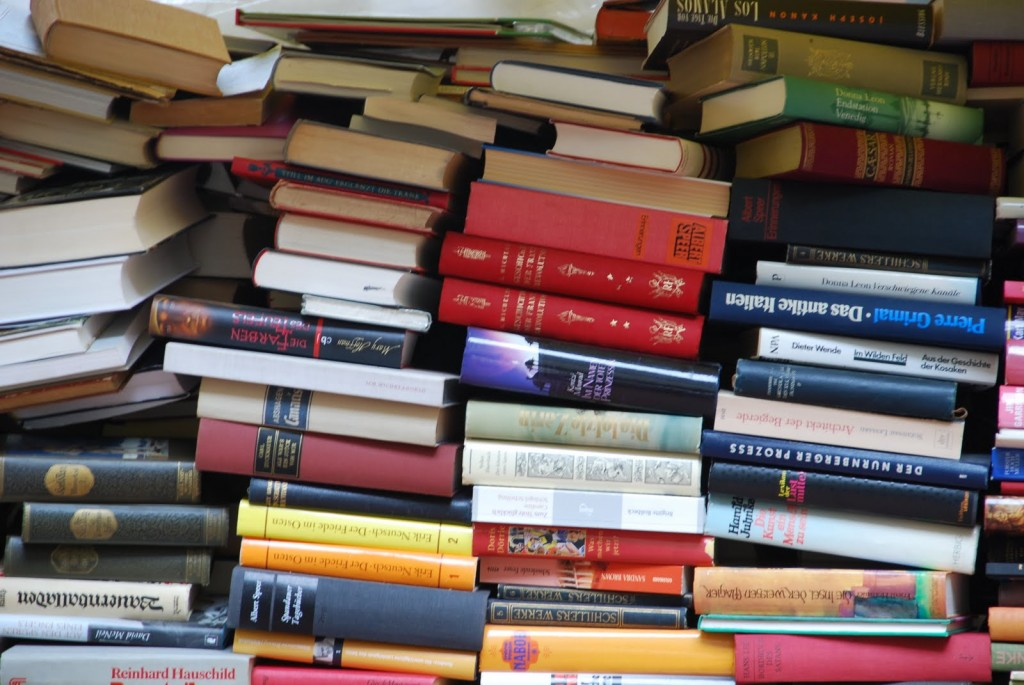 Photo of Books by Simone Collins
