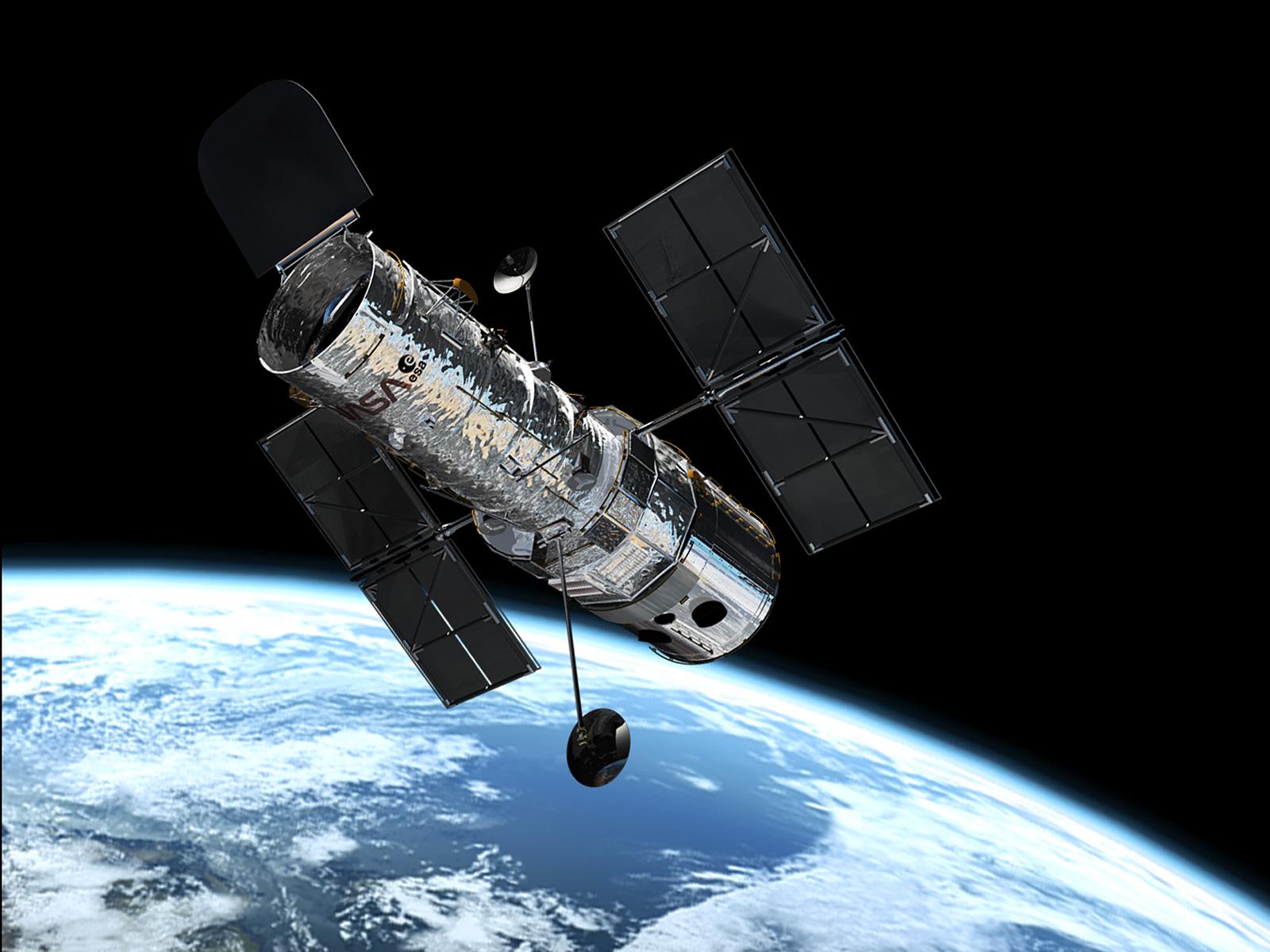 2013-10-17-hubble_in_orbit1.jpg