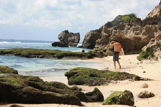 Lost surfer near Uluwatu beach, Bali