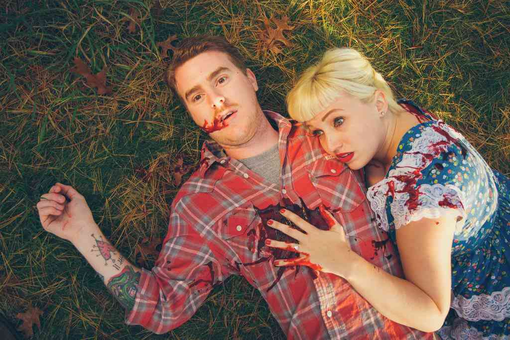 Friday The 13th Themed Engagement Photos Are A Bloody Nightmare
