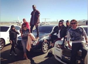 2013-10-26-CelebritysocialnetworkpicturespP8GviUcVeWl.jpg