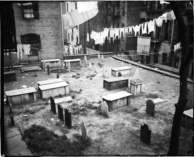 34 Best gangster gravesites images | Famous graves ...