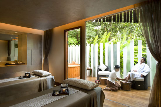 10 Spas That Are Worth The Flight