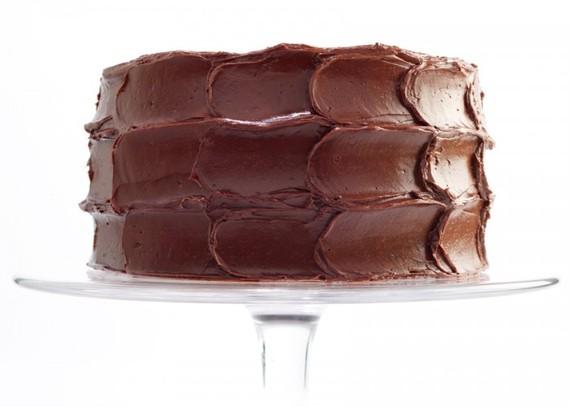 2013-10-28-chocolatecaramelcakewithseasalt700x500.jpg
