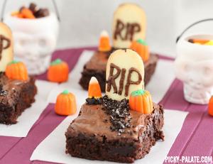 2013-10-29-GraveyardBrownies.jpg