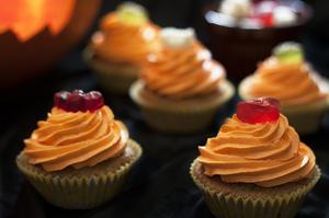2013-10-29-OrangePumpkinCupcakes.jpg
