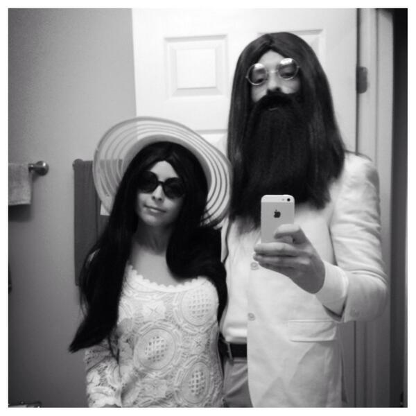 2013-10-30-BX1NpB8CIAAqgWH.jpg  sc 1 st  HuffPost & 13 Halloween Costumes That Wonu0027t Make You Hate Couples Who Dress Up ...