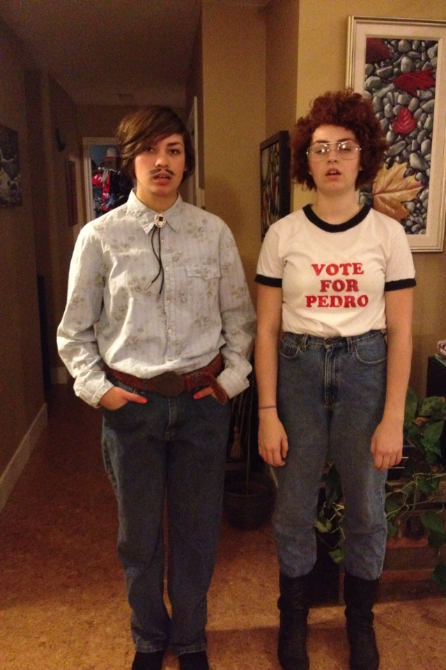 2013-10-30-image.png  sc 1 st  HuffPost & 13 Halloween Costumes That Wonu0027t Make You Hate Couples Who Dress Up ...