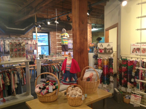 2013-11-04-Chicagokidsshowroom.JPG