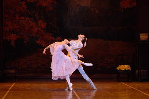 2013-11-04-ShanghaiBallet_TheButterflyLovers_01_Credit_CAMI.jpg