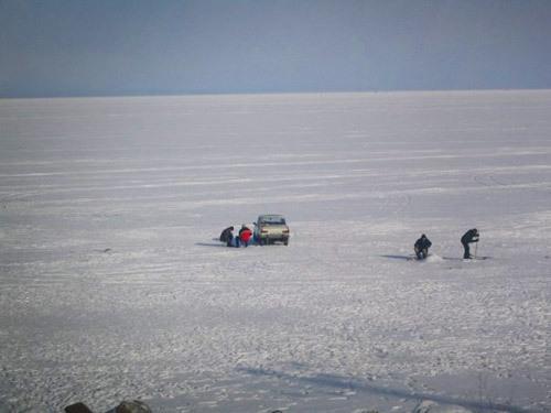 2013-11-08-winterfishingbaikal.jpg