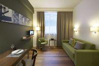2013-11-11-Citadines_Holborn_apartment.jpg
