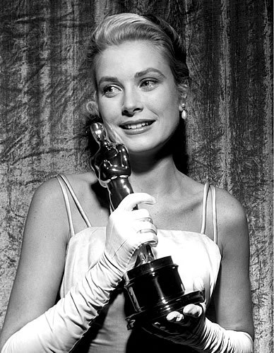 2013-11-12-GraceKelly388x500.jpg