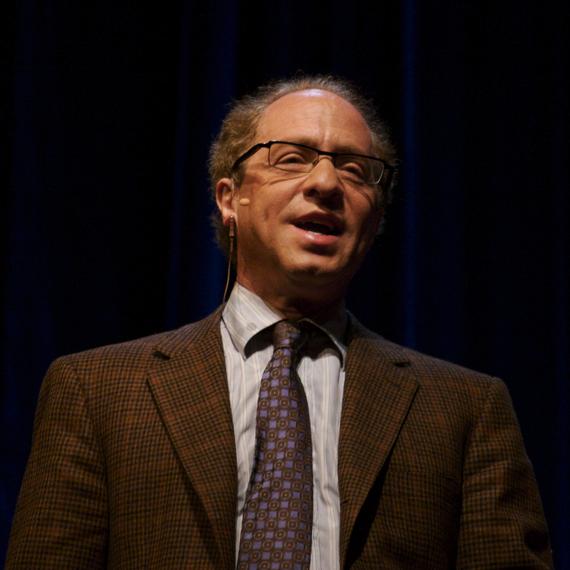 2013-11-13-Raymond_Kurzweil_Stanford_2006_square_crop.jpg