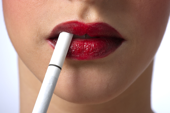 what does cigarettes do to your skin