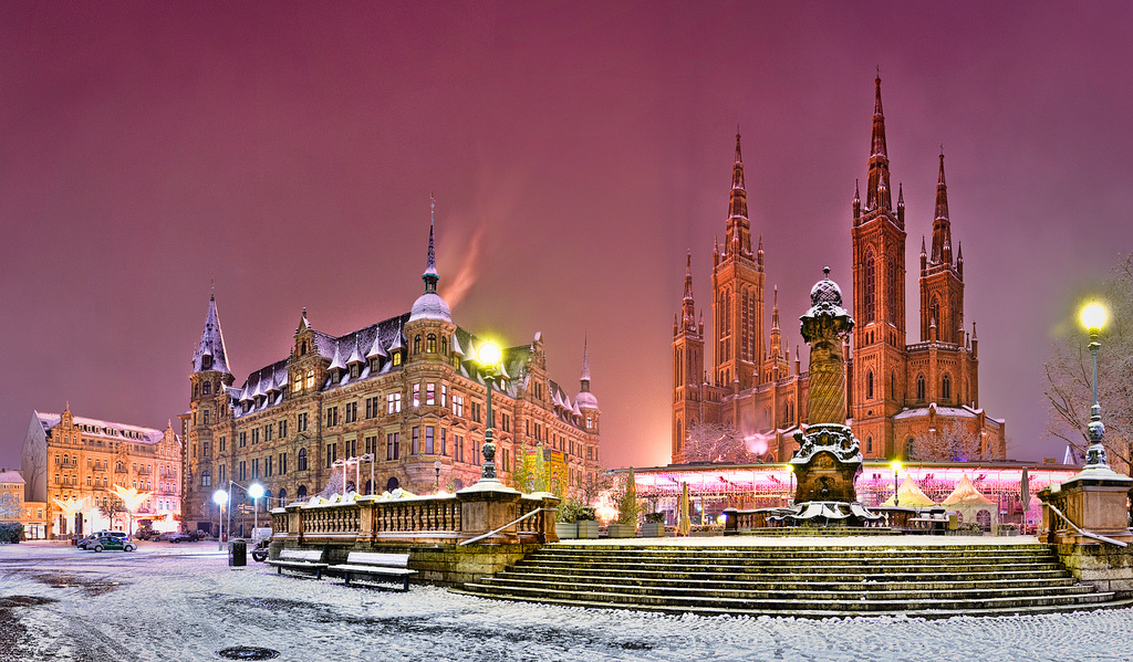 10 best cities for your shot at a white christmas for Best places to visit for christmas