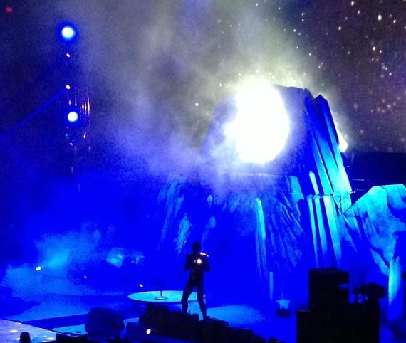 2013-11-14-KidCudiOnStage.jpg