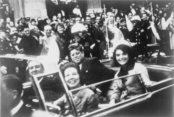 2013-11-15-John_F._Kennedy_motorcade_Dallas_crop.png