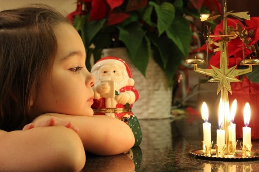 2013-11-15-childwatchingholidaycandles.jpg