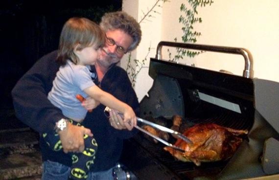 2013-11-15-turkeygrilledfamily600x388.jpg