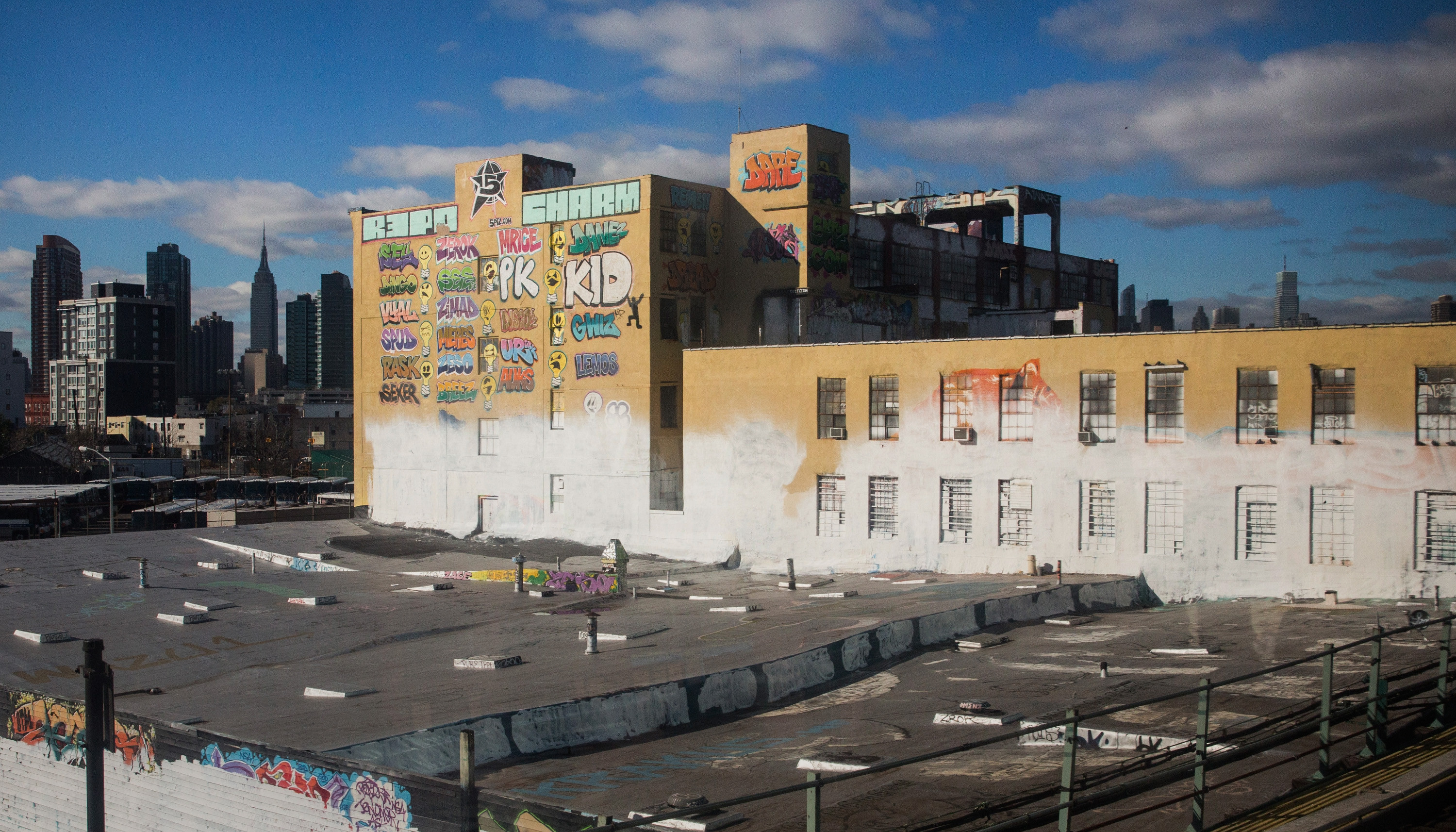 2013-11-21-5POINTZ_original4.jpg